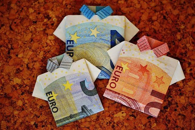 Nové bankovky rady Európa sú 100 € a 200 €