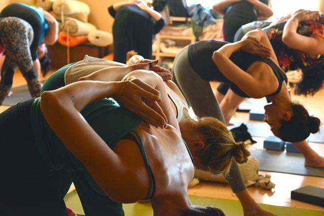 skupina ženy joga.jpg