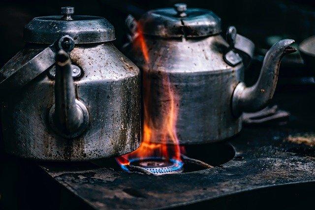 varenie čaju v čajníkoch.jpg