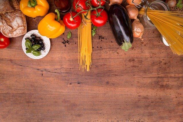 suroviny na varenie na stole.jpg